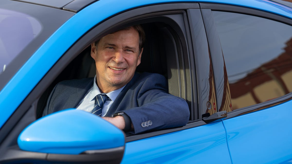 Ford makes come-from-behind push with Mach-E as industry enters new era